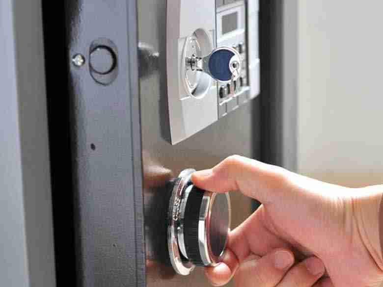 Apertura cassaforte con serratura guasta