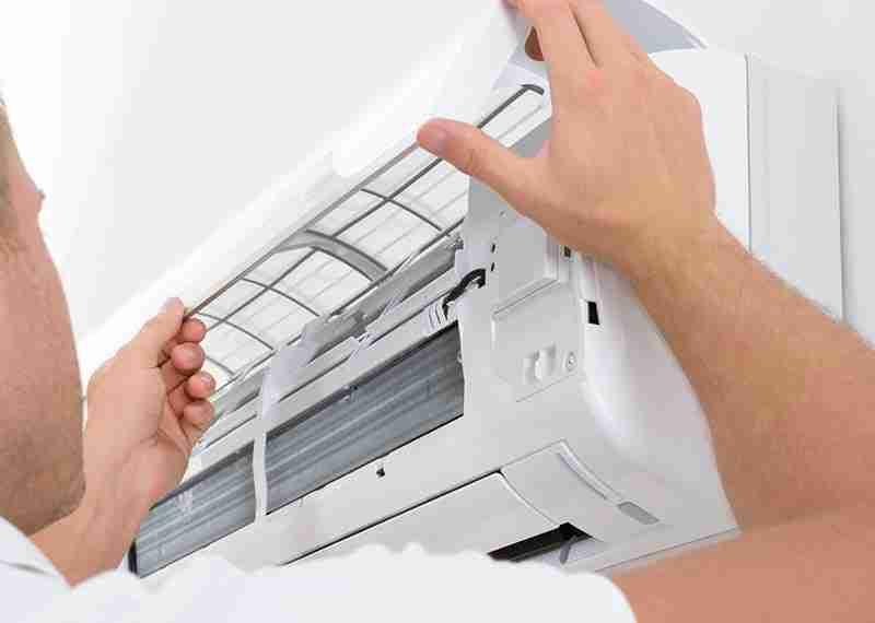 tecnico esperto in riparazione-guasti-climatizzatori ad abbiategrasso