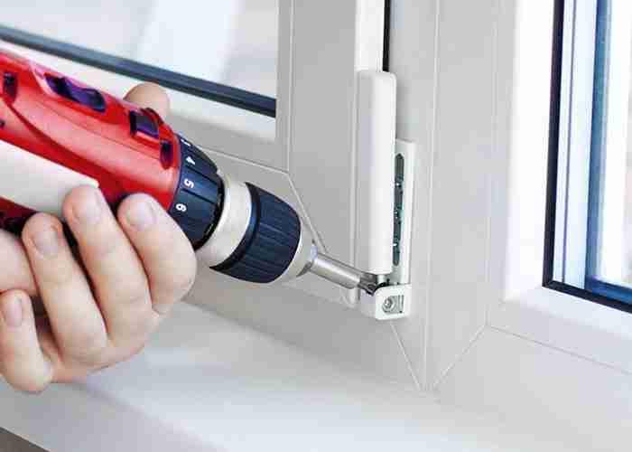 Installazione e manutenzione finestre basculanti