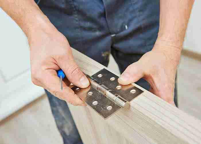 supermario24 fabbro riparazione cerniera porta