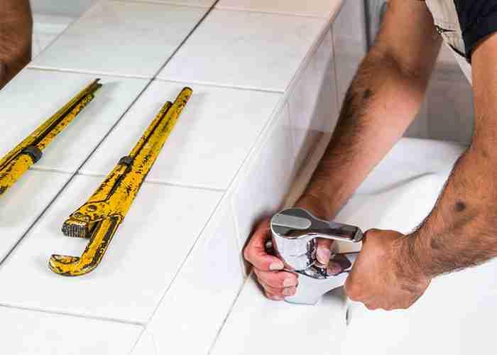 supermario24 idraulico installazione rubinetto in bagno