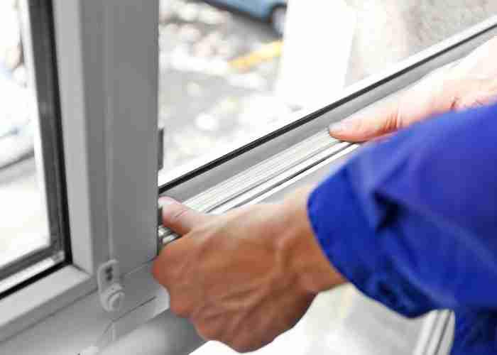 supermario24 manutenzione serramenti 1 - SuperMario24: i serramenti e le serrande di Broni in manutenzione ordinaria e straordinaria