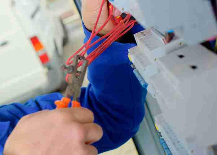 supermario24 riparazione fili elettrici