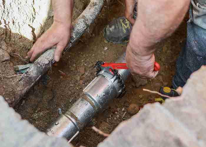 Riparazione di tutti i guasti all'impianto idraulico